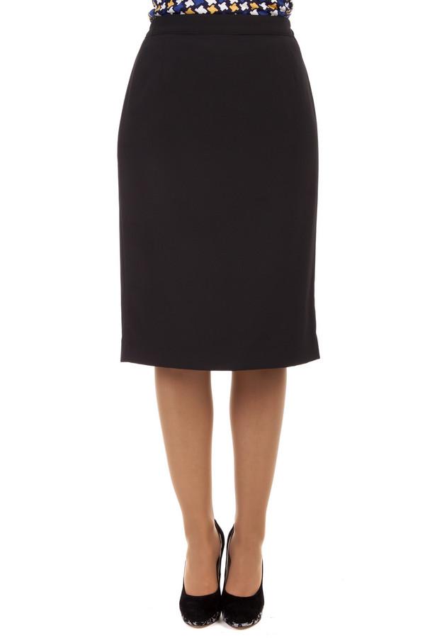 Юбка PezzoЮбки<br>Классическая юбка Pezzo черного цвета. Изделие дополнено кокетливым шлицем и скрытой молнией сзади.<br><br>Размер RU: 46<br>Пол: Женский<br>Возраст: Взрослый<br>Материал: полиэстер 63%, вискоза 34%, спандекс 3%<br>Цвет: Чёрный