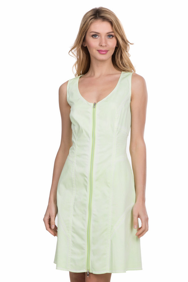 Платье TuzziПлатья<br><br><br>Размер RU: 42<br>Пол: Женский<br>Возраст: Взрослый<br>Материал: эластан 4%, хлопок 96%<br>Цвет: Зелёный