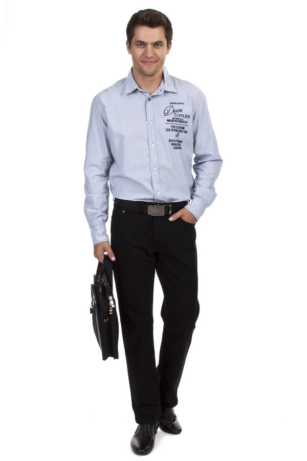 Классические джинсы GardeurКлассические джинсы<br>Мужские джинсы от бренда Gardeur прямого кроя выполнены из денима черного цвета. Изделие дополнено: поясом с шлевками под ремень, пятью стандартными карманами и застежкой-молния с пуговицей.<br><br>Размер RU: 50(L34)<br>Пол: Мужской<br>Возраст: Взрослый<br>Материал: хлопок 98%, эластан 2%<br>Цвет: Чёрный