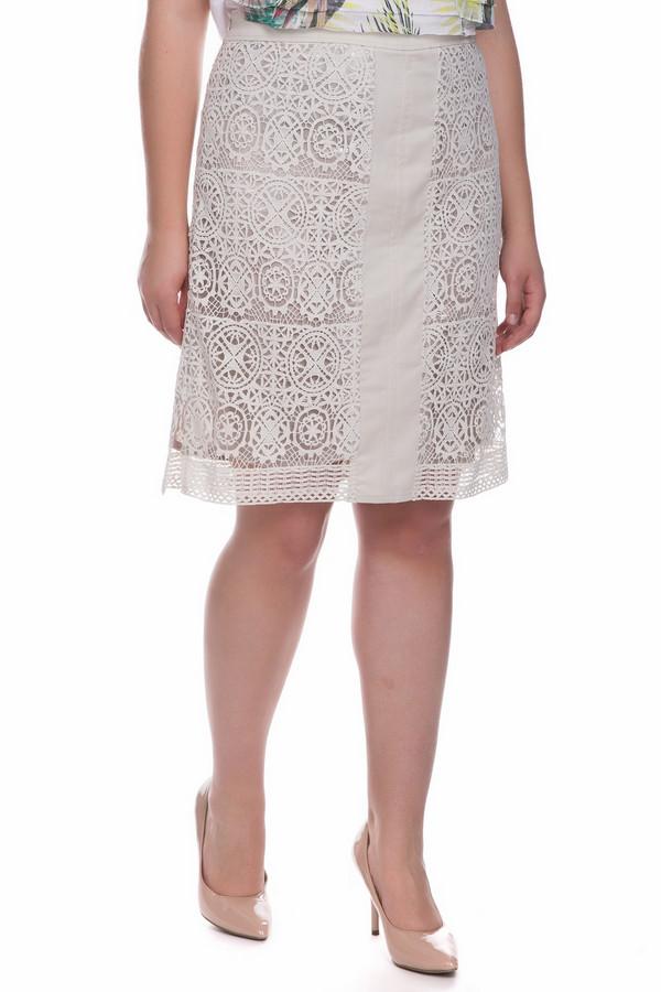 Юбка ApanageЮбки<br>Юбка Apanage серо-серебристая. Отличная модель, которую отличают легкость и невесомость. Использование двух слоев ткани – это красиво и удобно, так как ажурная часть обеспечивает красоту этой модели, а второй слой ткани ее дублирует. Состав: 100%-ный полиэстер. На лето лучшей юбки вам просто не найти! Сочетать эту юбку вы сможете как с однотонным, так и с пестрым верхом.<br><br>Размер RU: 46<br>Пол: Женский<br>Возраст: Взрослый<br>Материал: полиэстер 100%<br>Цвет: Серебристый