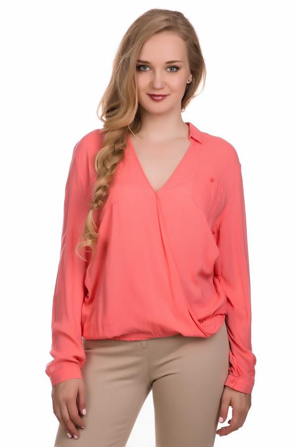 Блузa Betty BarclayБлузы<br>Блузa Betty Barclay женская розовая. Блуза розового цвета свободного кроя, под резинку подойдёт для любой женской фигуры. Очень сексуальный V – образный вырез горловины, переходящий в маленький отложной воротничок, глубокий запах на лифе, заниженная пройма и длинный струящийся рукав позволяют этой модели быть оригинальной и стильной. Состав: 100 % вискоза.