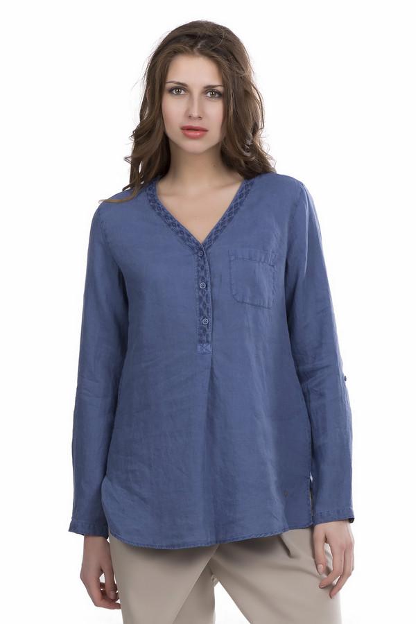 Блузa BraxБлузы<br>В блузе из натуральной ткани ниспадающего свободного кроя вы будете чувствовать себя легко и непринужденно в любой обстановке. Блуза прекрасно комбинируется с джинсами либо со строгими брюками. Синий трендовый цвет делает ее практичной. Изделие демисезонное, с длинным рукавом на манжете, слегка расклешенным низом, по бокам небольшие разрезы. У блузы V-образный вырез, который так любят многие женщины. Планка с тремя пуговицами украшена красивым принтом, на левой стороне лифа - накладной карман.<br><br>Размер RU: 50<br>Пол: Женский<br>Возраст: Взрослый<br>Материал: лен 100%<br>Цвет: Синий