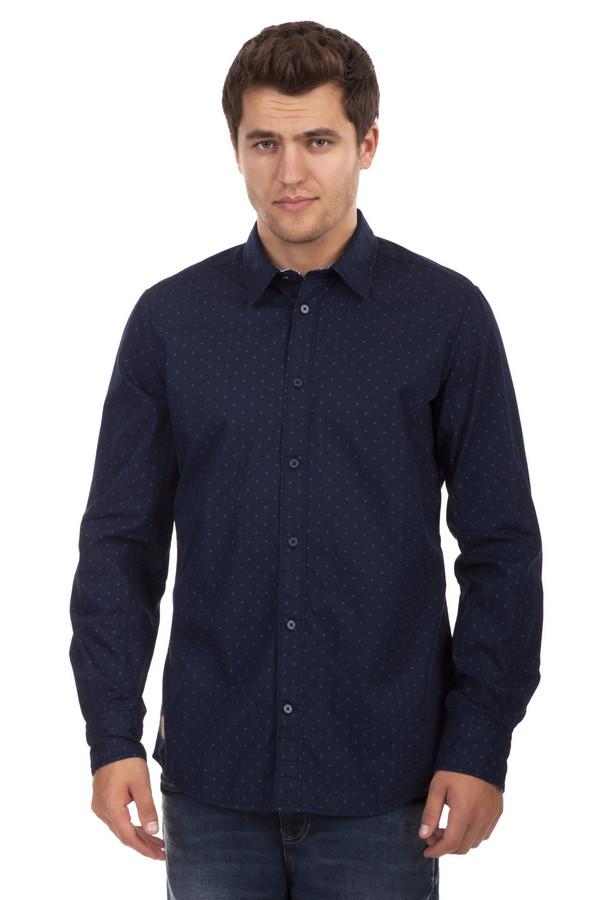 Рубашка с длинным рукавом Tom TailorДлинный рукав<br>Темно-синяя мужская рубашка бренда Tom Tailor прямого кроя. Изделие дополнено: отложным классическим воротником, выточками, планкой на пуговицах и рубашечными рукавами. Рубашка декорирована геометрическим принтом контрастного цвета.<br><br>Размер RU: 39-40<br>Пол: Мужской<br>Возраст: Взрослый<br>Материал: хлопок 100%<br>Цвет: Синий