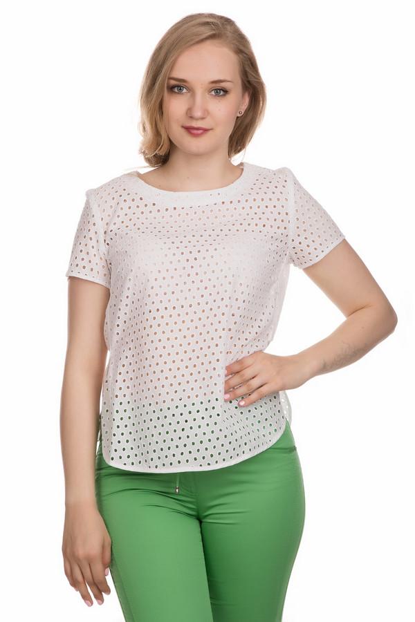 Блузa ApanageБлузы<br>Блуза Apanage белая. Чудесная модель из легкой ажурной ткани – это отличный выбор для жарких летних дней. Простой крой примечателен округлыми боковыми вырезами. Основная изюминка модели – легкий и приятный к телу материал. В такой блузе приготовьтесь ловить на себе восхищенные взгляды. Состав: 100%-ный хлопок. Отлично комбинируется с прочими вещами стильного летнего гардероба.<br><br>Размер RU: 48<br>Пол: Женский<br>Возраст: Взрослый<br>Материал: хлопок 100%<br>Цвет: Белый