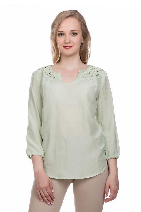 Блузa ApanageБлузы<br>Блуза Apanage зеленая. Светлый, такой приятный глазу оттенок этой вещи порадует вас и окружающих. Нежные пастельные тона идут абсолютно всем женщинам. В особенности хороши они для летних вещей. Нежный и стильный декор возле выреза горловины, вышивка бисером и оригинальными пайетками квадратной формы – это актуальное решение для теплых дней. Красивая форма выреза и завязки на рукавах дополняют общую картину. Хлопок плюс шелк – состав ткани этой волшебной блузы.<br><br>Размер RU: 52<br>Пол: Женский<br>Возраст: Взрослый<br>Материал: хлопок 85%, шелк 15%<br>Цвет: Зелёный
