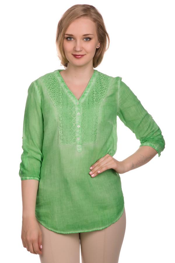 Блузa ApanageБлузы<br>Блузa Apanage женская зелёная. Очень красивая блуза из натурального материала – это то, что вам нужно для летнего гардероба. V – образный вырез и ажурная кокетка на лифе делают эту модель необычной и модной. Рукав 3/4 за счёт клапана можно сделать более коротким. Яркий зелёный цвет – ещё одно преимущество этой блузы. Состав: 100%-ный хлопок.<br><br>Размер RU: 42<br>Пол: Женский<br>Возраст: Взрослый<br>Материал: хлопок 100%<br>Цвет: Зелёный