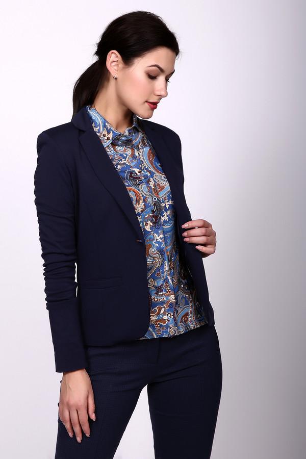 Жакет Just ValeriЖакеты<br>Жакет Just Valeri женский синий. Жакет выполнен в классическом стиле. Но, несмотря на внешнюю простоту, выглядит очень изысканно. Элегантная застёжка на одну пуговичку придаёт этой модели стильность и неординарность. Такая одежда очень универсальна и практична, она подходит и для ежедневной работы в офисе, и для деловой встречи. Состав: вискоза, нейлон, спандекс, подкладка - 100% полиэстер.<br><br>Размер RU: 42<br>Пол: Женский<br>Возраст: Взрослый<br>Материал: вискоза 68%, нейлон 26%, спандекс 6%, Состав_подкладка полиэстер 100%<br>Цвет: Синий