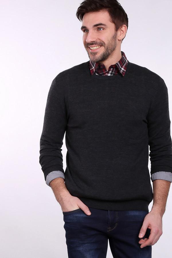 Джемпер Just ValeriДжемперы и Пуловеры<br>Джемпер Just Valeri серый. Округлый вырез горловины отлично смотрится на мужчине. Это в одно и то же время стильно и мужественно. Элегантный и при этом предельно простой крой этой модели придется по душе ценителям актуальных вещей. Без такого джемпера в гардеробе можно обойтись, но, приобретая его, вы выигрываете неизмеримо больше. Состав: 100%-ная шерсть.<br><br>Размер RU: 54<br>Пол: Мужской<br>Возраст: Взрослый<br>Материал: шерсть 100%<br>Цвет: Серый