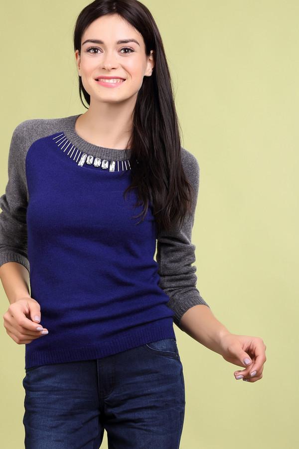 Пуловер Just ValeriПуловеры<br>Пуловер Just Valeri сине-серый. Покрой реглан и заметный крупный декор – это отличительные черты предлагаемой модели. Стильный крой этой вещи делает ее яркой и заметной. Состав: шерсть и кашемир. Отличный выбор на каждый день и для прогулки по парку в выходные, а также для вылазки за город. Вы сможете носить этот пуловер зимой в самую разную погоду.<br><br>Размер RU: 44<br>Пол: Женский<br>Возраст: Взрослый<br>Материал: шерсть 50%, кашемир 50%<br>Цвет: Серый