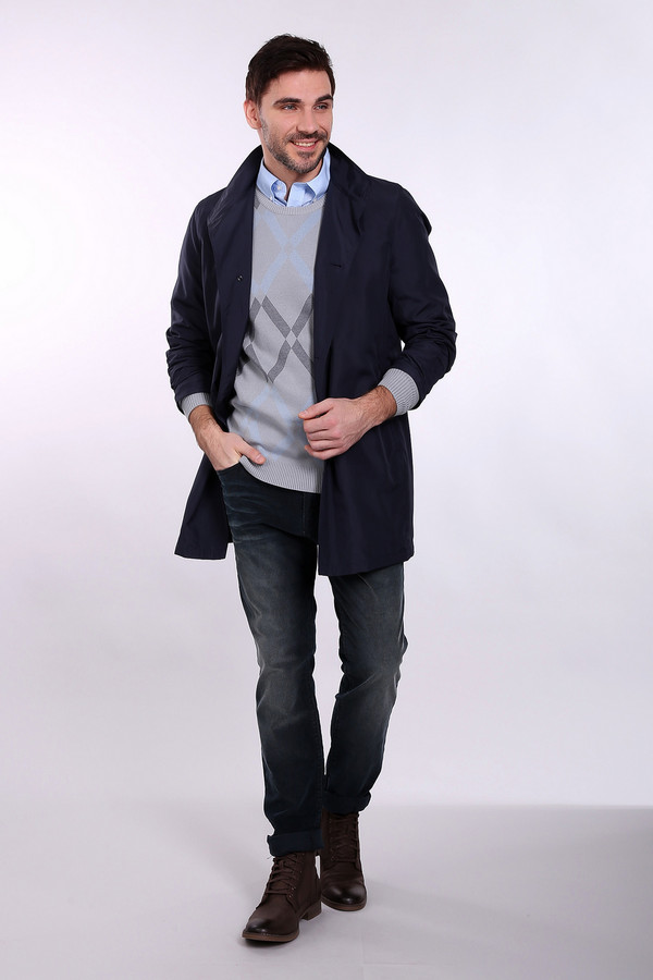 Брюки Just ValeriБрюки<br>Вельветовые джинсы от бренда Just Valeri темно-синего оттенка. Интересная расцветка этих брюк не даст вам оставаться незамеченным. Отличное решение для тех, кто ценит комфорт и удобство. Облегающий силуэт предлагаемых брюк придется по душе тем, что устал от свободных мешковатых силуэтов и хочет выглядеть элегантно. Состав: хлопок и эластан.<br><br>Размер RU: 50К<br>Пол: Мужской<br>Возраст: Взрослый<br>Материал: эластан 1%, хлопок 99%<br>Цвет: Синий