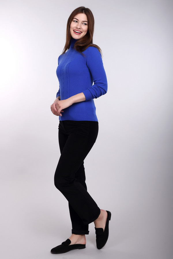 Брюки PezzoБрюки<br>Вельветовые женские брюки от бренда Pezzo черного цвета. Эта прямая модель отменно сидит, подчеркивая все достоинства ваших прелестных форм. Карманы сзади и спереди, застежка на молнию – все атрибуты удобных брюк здесь налицо. Носить эти брюки вам захочется как можно чаще – это комфортная демисезонная вещь для почитательниц удобства в гардеробе. Состав: эластан, хлопок<br><br>Размер RU: 52<br>Пол: Женский<br>Возраст: Взрослый<br>Материал: хлопок 98%, эластан 2%<br>Цвет: Чёрный