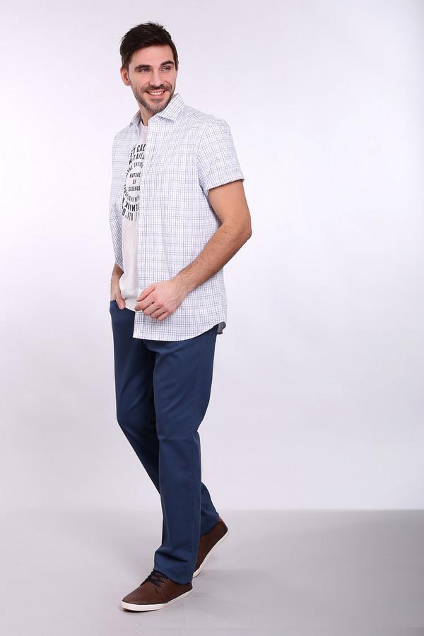 Брюки PezzoБрюки<br>Джинсовые брюки Pezzo синего оттенка. Строгие брюки прямого силуэта – это удобство и комфорт, стиль и простота. Функциональные карманы спереди и сзади очень нравятся мужчинам – эти брюки также ими снабжены. Состав: эластан, хлопок. Отличная модель для работы и отдыха. Демисезонное изделие, которое будет уместным в самых разных ансамблях.<br><br>Размер RU: 48<br>Пол: Мужской<br>Возраст: Взрослый<br>Материал: хлопок 98%, эластан 2%<br>Цвет: Синий