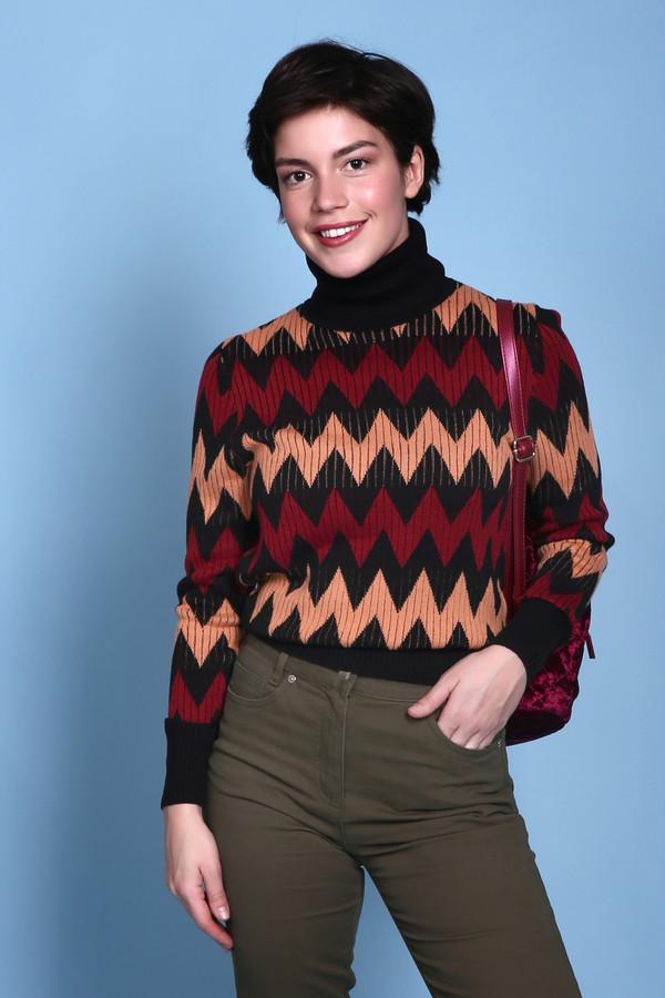 Пуловер PezzoПуловеры<br>Пуловер Pezzo разноцветный. Зигзагообразный рисунок этого изделия выглядит очень оригинально и свежо. В таком пуловере вам будет не только комфортно, но еще и тепло благодаря отличному составу: шерсть с добавлением акрила. Высокие однотонные манжеты и воротничок обеспечат обладательнице этой восхитительной вещи уют даже в холодные дни.<br><br>Размер RU: 52<br>Пол: Женский<br>Возраст: Взрослый<br>Материал: шерсть 15%, акрил 85%<br>Цвет: Разноцветный