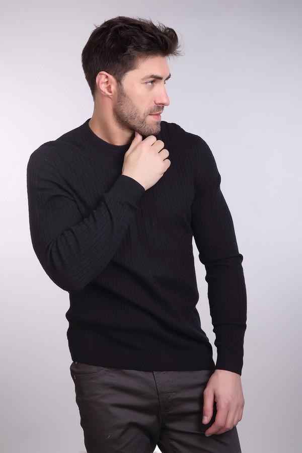 Джемпер PezzoДжемперы и Пуловеры<br>Мужской джемпер от бренда Pezzo черного цвета. Тоненькие вертикальные косички визуально стройнят, делая вас к тому же выше. Необходимая вещь в мужском гардеробе. Состав: шерсть, вискоза, полиамид.