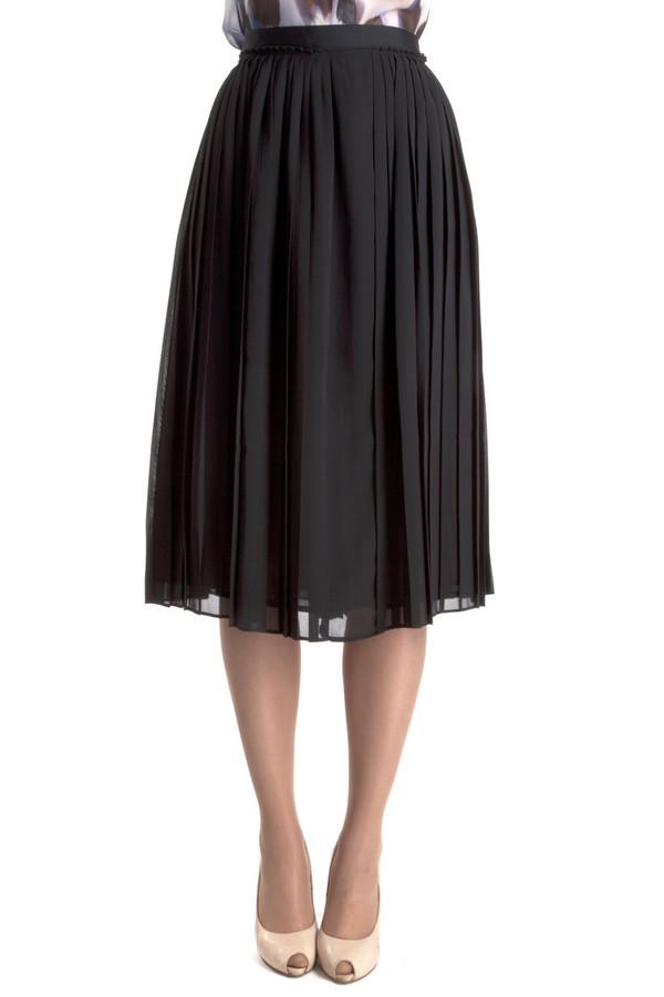 Юбка PezzoЮбки<br>Плиссированная юбка Pezzo черного цвета. Изделие дополнено сзади скрытой застежкой-молния. Невероятно женственная прекрасно дополнить романтический образ.<br><br>Размер RU: 50<br>Пол: Женский<br>Возраст: Взрослый<br>Материал: полиэстер 100%<br>Цвет: Чёрный