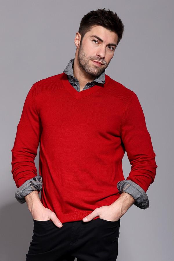 Джемпер PezzoДжемперы и Пуловеры<br>Джемпер Pezzo красного оттенка. Строгий и простой – так мы можем описать это изделие.  V-образ ный вырез горловины дает возможность оставлять шею свободной, что так часто ценят мужчины или комбинировать данную вещь с подходящей рубашкой. Возможность здесь просто безграничны! Состав: шерсть, акрил.<br><br>Размер RU: 58<br>Пол: Мужской<br>Возраст: Взрослый<br>Материал: шерсть 50%, акрил 50%<br>Цвет: Красный