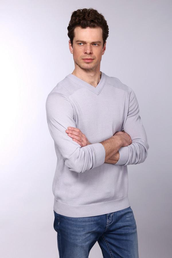 Джемпер PezzoДжемперы и Пуловеры<br>Джемпер Pezzo  светло-голу бого оттенка. Строгий и простой – так мы можем описать это изделие.   V-образ  ный вырез горловины дает возможность оставлять шею свободной, что так часто ценят мужчины или комбинировать данную вещь с подходящей рубашкой. Возможность здесь просто безграничны! Состав: шерсть, акрил.
