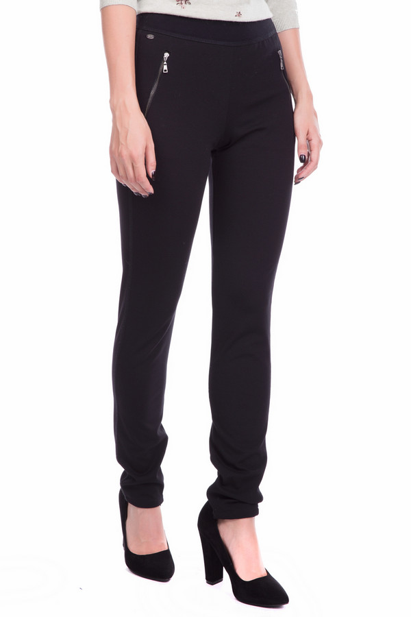 Брюки BraxБрюки<br>Женские эластичные демисезонные брюки черного цвета - то, что нужно в осеннюю непогоду. Прямой силуэт подчеркнет достоинства фигуры. Боковые молнии делают модель оригинальной и непохожей на другие. Внизу штанин так же вставлены замочки-молнии для удобства и красоты. Узкий крой брюк позволяет комбинировать их с любым верхом: длинным кардиганом или короткой курточкой. Наличие большого процента эластана в ткани обеспечивает комфортную посадку.<br><br>Размер RU: 42<br>Пол: Женский<br>Возраст: Взрослый<br>Материал: эластан 5%, вискоза 65%, полиамид 30%<br>Цвет: Чёрный