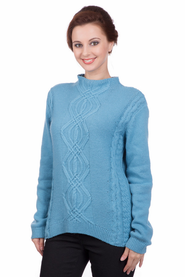 Пуловер PezzoПуловеры<br>Пуловер Pezzo голубого оттенка. Действительно шикарная вещь, которая полюбится вам с самого первого взгляда! Сочетание самых разных фантазийных кос невольно притягивает к себе взоры. Обратите внимание на миниатюрный воротни чок-сто ечку, который служит продолжением лифа. Особого упоминания заслуживает отделка спинки изделия: вырез в центре нее и креативные полоски не дадут вам остаться незамеченной.<br><br>Размер RU: 52<br>Пол: Женский<br>Возраст: Взрослый<br>Материал: полиамид 45%, хлопок 50%, шерсть 5%<br>Цвет: Голубой