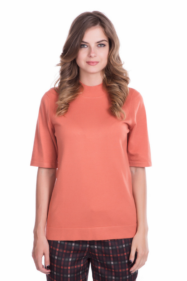 Пуловер PezzoПуловеры<br>Пуловер Pezzo оранжевого оттенка. Классически строгий и простой по своему фасону, этот пуловер притягивает к себе внимание. Отлично выглядеть просто – стоит лишь приобрести эту восхитительную вещь! Состав: вискоза плюс полиамид. Короткий рукав приоткрывает прелестные женские руки и отлично смотрится.<br><br>Размер RU: 44<br>Пол: Женский<br>Возраст: Взрослый<br>Материал: полиамид 32%, вискоза 68%<br>Цвет: Оранжевый