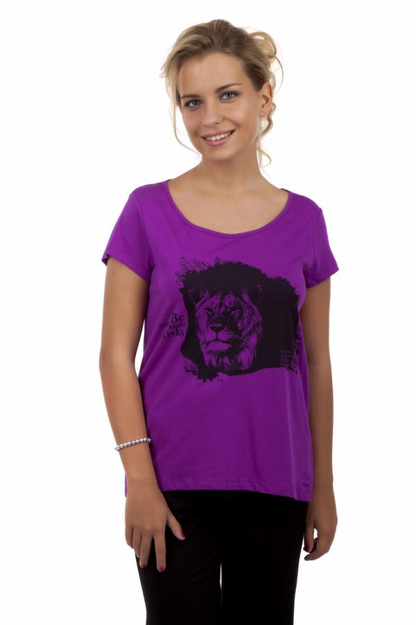 Футболка s.OliverФутболки<br>Хлопковая фиолетовая футболка от бренда s.Oliver прямого кроя. Изделие дополнено: u-образным вырезом, удлиненной спинкой и короткими рукавами. Футболка декорирована контрастным принтом в виде льва.<br><br>Размер RU: 40<br>Пол: Женский<br>Возраст: Взрослый<br>Материал: хлопок 100%<br>Цвет: Фиолетовый