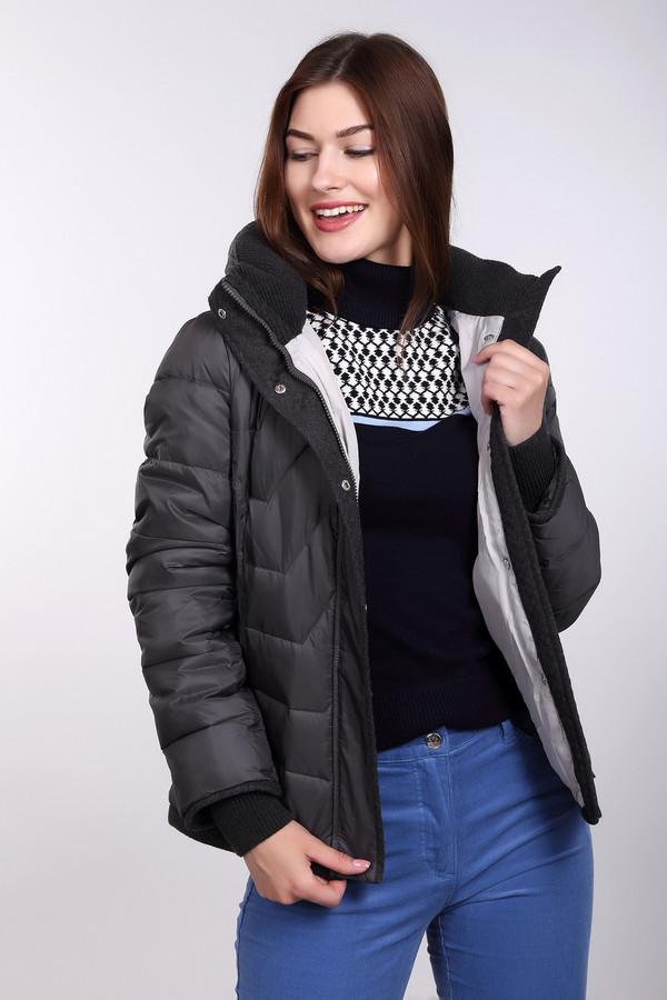 Куртка Just ValeriКуртки<br>Куртка Just Valeri женская серая. Стёганая теплая куртка выручит вас в холодную зимнюю погоду, подарив тепло и уют. Эта модель подойдёт любой женщине, которая хочет быть модной и современной. Она понравится и тем, кто любит спортивный стиль одежды. Такая куртка очень универсальна и практична благодаря своему дизайну и цвету. Состав: 100% нейлон, подкладка и наполнитель 100% полиэстер.<br><br>Размер RU: 42<br>Пол: Женский<br>Возраст: Взрослый<br>Материал: нейлон 100%, Состав_подкладка полиэстер 100%, Состав_наполнитель полиэстер 100%<br>Цвет: Серый