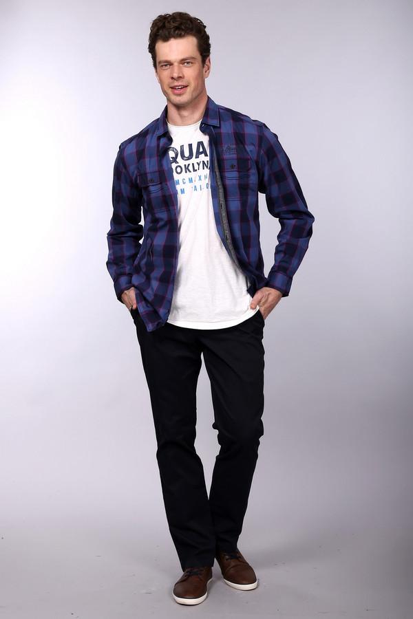 Брюки PezzoБрюки<br>Брюки Pezzo темно-синего оттенка. Эта модель чудесно сидит по фигуре, она комфортна в носке и отлично подходит для мужского гардероба, где так важна функциональность. Сзади брюк – два удобных кармана, спереди – также. Состав: эластан и хлопок. Темные брюки – отличный вариант для самых разных поводов и мероприятий. Их можно носить под рубашки, пиджаки, пуловеры и т.д.<br><br>Размер RU: 52<br>Пол: Мужской<br>Возраст: Взрослый<br>Материал: эластан 3%, хлопок 97%<br>Цвет: Чёрный