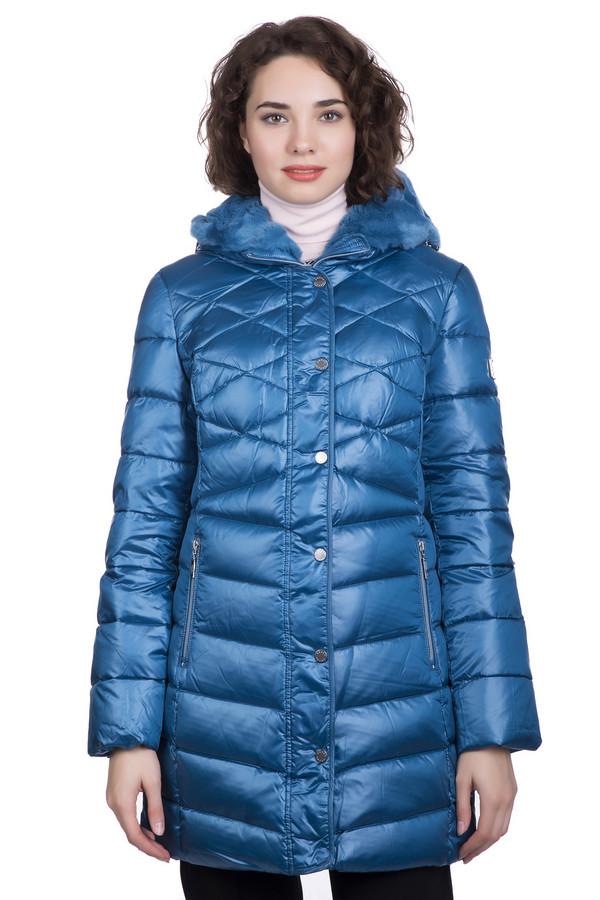 Пальто PezzoПальто<br>Пальто Pezzo синего цвета – просто отличный выбор и удачное капиталовложение, ведь это изделие способно прослужить вам долгие годы. Разный рисунок простежки – это отличное дизайнерское решение, позволяющее пальто выглядеть неординарно и ярко. Капюшон с меховой отделкой поможет вам укрыться от самой суровой непогоды. Состав: полиэстер, нейлон, пух и перо.<br><br>Размер RU: 48<br>Пол: Женский<br>Возраст: Взрослый<br>Материал: полиэстер 100%, мех 100%, Состав_подкладка полиэстер 100%, Состав_наполнитель пух 80%, Состав_наполнитель перо 20%<br>Цвет: Синий