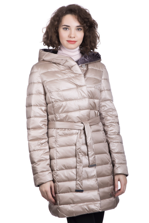 Пальто PezzoПальто<br>Пальто Pezzo женское бежевое серое. Стеганое элегантное пальто понравится любой женщине. Удобная длина, лёгкость, наличие капюшона – вот главные достоинства этой модели. Можно носить пальто с поясом и без него, оно смотрится красиво в обоих вариантах. Такая вещь подарит вам уют и комфорт в холодное время года. Состав: 100% полиэстер.<br><br>Размер RU: 52<br>Пол: Женский<br>Возраст: Взрослый<br>Материал: полиэстер 100%, Состав_подкладка полиэстер 100%, Состав_наполнитель полиэстер 100%<br>Цвет: Серый
