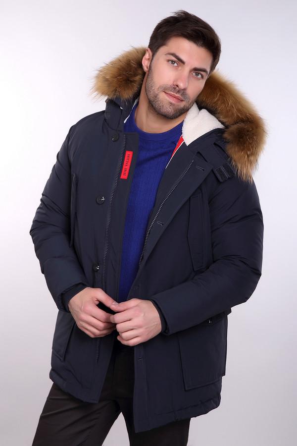 Куртка Just ValeriКуртки<br>Куртка Just Valeri черная мужская с мехом. Чудесная модель с объемными и комфортными карманами. Благодаря этому изделию вы можете быть уверены: ваши руки и прочие части тела будут в тепле. Особого упоминания заслуживает подкладка этой вещи с урбанистическим принтом, что смотрится очень стильно. Контрастные полоски внутри изделия дополняют такое впечатление. Двойная застежка – отличное решение для практичной куртки.<br><br>Размер RU: 54<br>Пол: Мужской<br>Возраст: Взрослый<br>Материал: хлопок 63%, нейлон 37%, Состав_подкладка полиэстер 100%, Состав_наполнитель полиэстер 100%, Состав_подкладка мех енот 100%<br>Цвет: Чёрный