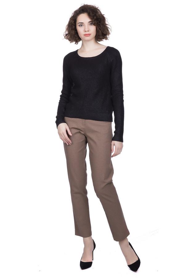 Брюки PezzoБрюки<br>Брюки Pezzo женские коричневые. Невозможно представить себе женский гардероб без наличия в нём брюк. Классические узкие брючки в мелкую клеточку длиной выше щиколотки станут прекрасным его дополнением. Такая модель подчеркнёт вашу индивидуальность и хороший вкус. В комплекте с пуловером или джемпером брюки смотрятся великолепно. Состав: хлопок, спандекс.<br><br>Размер RU: 42<br>Пол: Женский<br>Возраст: Взрослый<br>Материал: хлопок 98%, спандекс 2%<br>Цвет: Коричневый