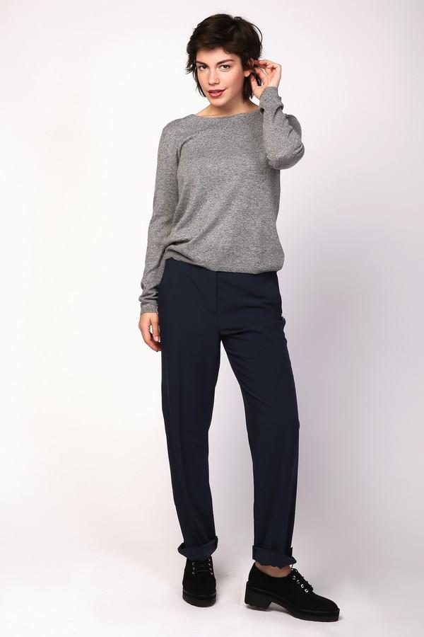 Брюки PezzoБрюки<br>Брюки Pezzo женские синие. Данная модель подойдёт для любой женщины, и в этом и состоит её уникальность. Свободный крой, пояс в комбинации с широкой резинкой позволяют учитывать индивидуальность каждой женской фигуры. В таких брюках вы всегда будете выглядеть стильно и модно, а соответствующая обувь на высоком каблуке только подчеркнёт ваш изысканный вкус. Демисезонная вещь. Состав: полиэстер, район, эластан.<br><br>Размер RU: 52<br>Пол: Женский<br>Возраст: Взрослый<br>Материал: эластан 5%, полиэстер 72%, район 23%<br>Цвет: Синий