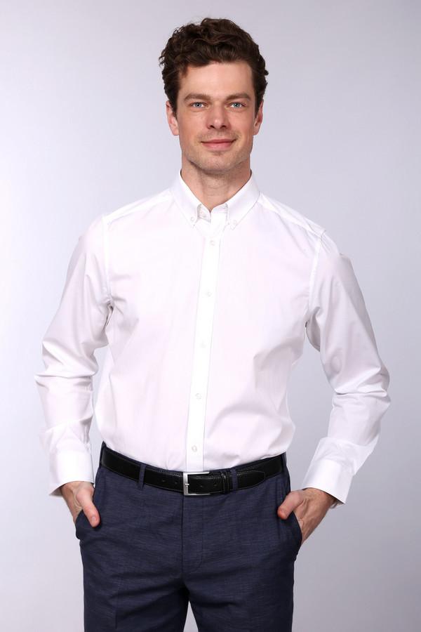 Рубашка с длинным рукавом Just ValeriДлинный рукав<br>Рубашка с длинным рукавом Just Valeri белая мужская. Отличная модель на любой случай. Традиционный для делового стиля отложной воротничок и классическая застежка на пуговицы спереди подчеркивают официальность вашего образа. Для вашего образа нет ничего лучше, чем простая и при этом очень изысканная рубашка с длинным рукавом. Состав: хлопок и полиэстер. Отличная модель под брюки или более свободные джинсы.<br><br>Размер RU: 43<br>Пол: Мужской<br>Возраст: Взрослый<br>Материал: полиэстер 30%, хлопок 70%<br>Цвет: Белый