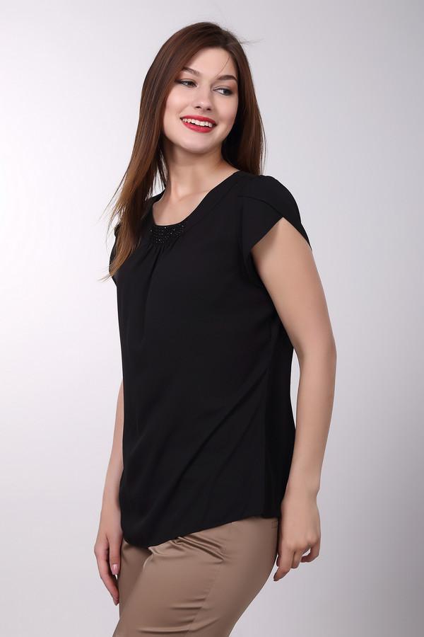 Блузa PezzoБлузы<br>Блузa Pezzo женская чёрная. Легкая воздушная блуза шикарно смотрится на любой женской фигуре. Чёрный цвет всегда в тренде. Круглый вырез с кокеткой, украшенный стразами и мелкими защипами, короткий свободный рукавчик делают эту модель неординарной. Такая блуза прекрасно смотрится с узкой юбкой темного или светлого цвета. Состав: 100% полиэстер.<br><br>Размер RU: 44<br>Пол: Женский<br>Возраст: Взрослый<br>Материал: полиэстер 100%<br>Цвет: Чёрный