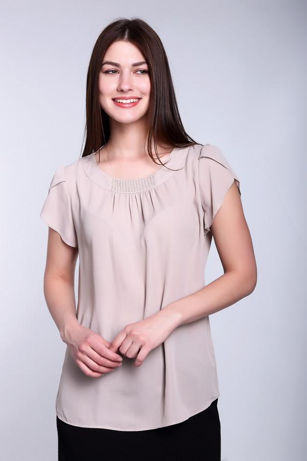 Блузa PezzoБлузы<br>Блузa Pezzo женская нежно-розового оттенка. Легкая воздушная блуза шикарно смотрится на любой женской фигуре. Пудровый цвет всегда в тренде. Круглый вырез с кокеткой, украшенный стразами и мелкими защипами, короткий свободный рукавчик делают эту модель неординарной. Такая блуза прекрасно смотрится с узкой юбкой темного или светлого цвета. Состав: 100% полиэстер.<br><br>Размер RU: 50<br>Пол: Женский<br>Возраст: Взрослый<br>Материал: полиэстер 100%<br>Цвет: Бежевый