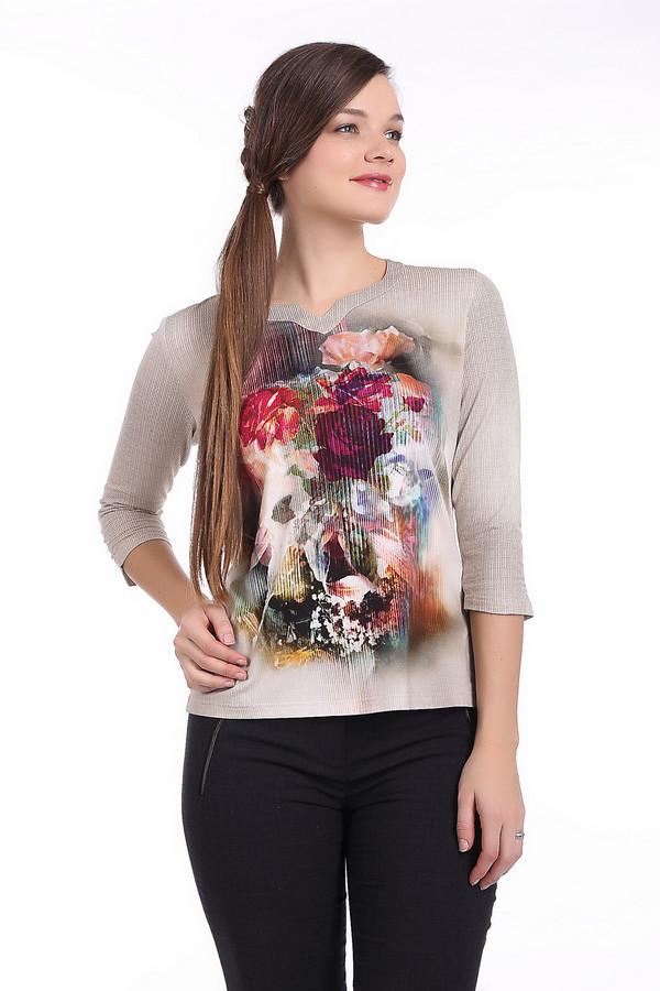 Блузa Frank WalderБлузы<br>Бежевая блуза от бренда Frank Walder прилегающего кроя выполнена из приятной на ощупь вискозы с добавлением эластана. Изделие дополнено: оригинальным воротом и рукавами 3/4. Блуза декорирована насыщенным цветочным принтом.<br><br>Размер RU: 46<br>Пол: Женский<br>Возраст: Взрослый<br>Материал: вискоза 93%, эластан 7%<br>Цвет: Бежевый