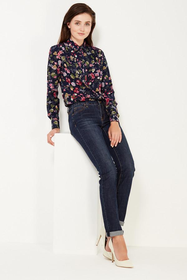 Классические джинсы FINN FLAREКлассические джинсы<br><br><br>Размер RU: 44<br>Пол: Женский<br>Возраст: Взрослый<br>Материал: эластан 2%, хлопок 98%<br>Цвет: Синий