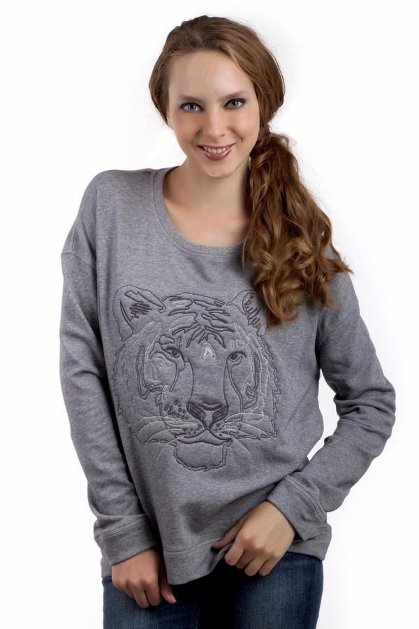 Пуловер s.OliverПуловеры<br>Женский пуловер от бренда s.Oliver свободного кроя представлен в светло-сером цвете. Изделие дополнено: круглым вырезом ворота и длинными рукавами. Фронтальная часть пуловера декорирована вышитым рисунком тигра.<br><br>Размер RU: 48<br>Пол: Женский<br>Возраст: Взрослый<br>Материал: полиэстер 15%, хлопок 85%<br>Цвет: Серый