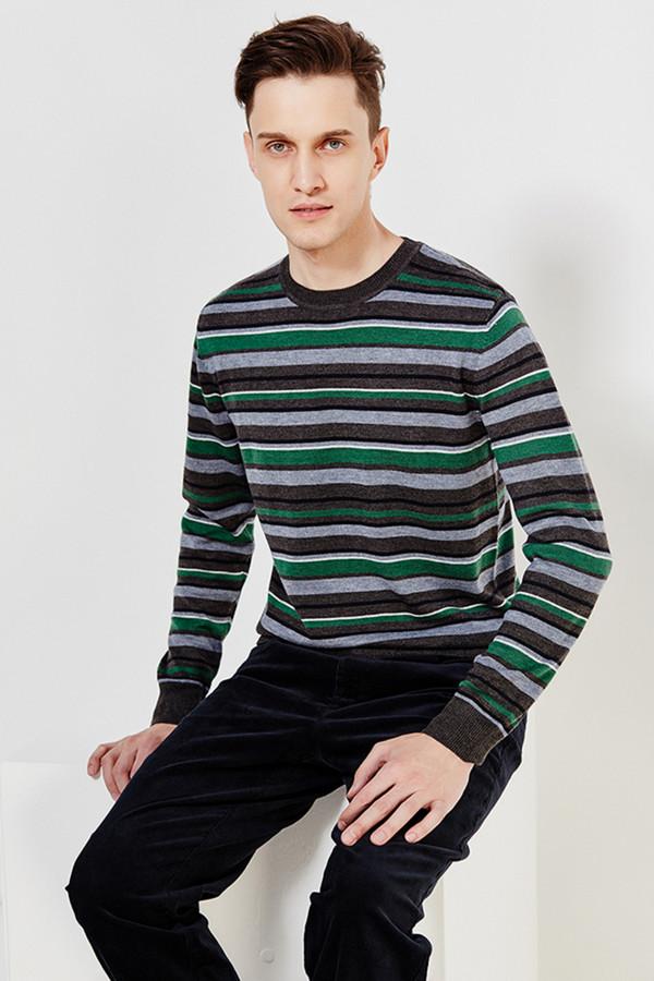 Джемпер FINN FLAREДжемперы и Пуловеры<br><br><br>Размер RU: 52<br>Пол: Мужской<br>Возраст: Взрослый<br>Материал: полиэстер 20%, нейлон 20%, шерсть 5%, акрил 55%<br>Цвет: Разноцветный