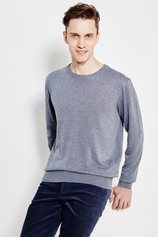 Джемпер FINN FLAREДжемперы и Пуловеры<br><br><br>Размер RU: 52<br>Пол: Мужской<br>Возраст: Взрослый<br>Материал: полиэстер 20%, нейлон 20%, шерсть 5%, акрил 55%<br>Цвет: Серый