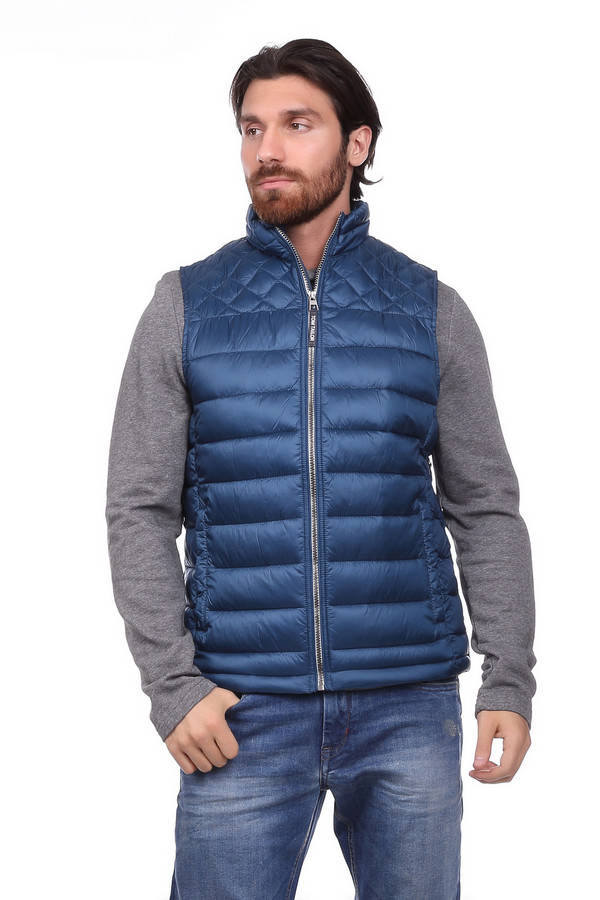Куртка Tom TailorКуртки<br><br><br>Размер RU: 46-48<br>Пол: Мужской<br>Возраст: Взрослый<br>Материал: полиамид 100%, Состав_подкладка полиэстер 100%<br>Цвет: Синий