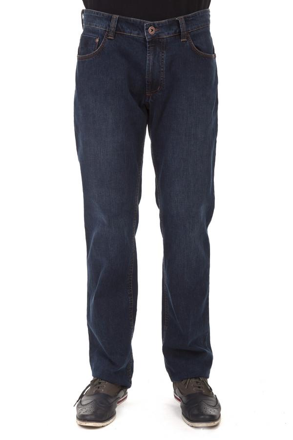 Классические джинсы HattricКлассические джинсы<br>Мужские классические джинсы Hattric. Джинсы простого прямого покроя и бледного темно-синего цвета, со слегка заметными потертостями в верхней части. На задних карманах есть оригинальная, но довольно неброская вышивка темно-синей нитью. Эти джинсы отлично подходят и молодым парням и зрелым мужчинам и даже мужчинам в возрасте. Они отлично подходят не только для комфортного отдыха, но и для работы в офисе, если правильно подобрать верх.<br><br>Размер RU: 56(L32)<br>Пол: Мужской<br>Возраст: Взрослый<br>Материал: хлопок 98%, эластан 2%<br>Цвет: Синий
