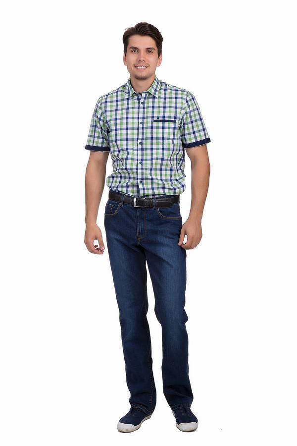 Классические джинсы BraxКлассические джинсы<br>Мужские джинсы Brax прямого кроя выполнены из плотного хлопкового денима синего цвета. Изделие дополнено: шлевками для ремня, пятью стандартными карманами. Модель декорирована искусственными потертостями. Джинсы застёгиваются на молнию и фиксируются на пуговицу.<br><br>Размер RU: 50(L34)<br>Пол: Мужской<br>Возраст: Взрослый<br>Материал: эластан 1%, хлопок 99%<br>Цвет: Синий