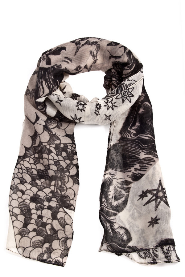Шарф PassigattiШарфы<br>Уникальный шарф Passigatti представлен в светлых тоннах с интересным и оригинальным рисунком. Изделие выполнено из высококачественного материала.<br><br>Размер RU: один размер<br>Пол: Женский<br>Возраст: Взрослый<br>Материал: полиэстер 100%<br>Цвет: Разноцветный