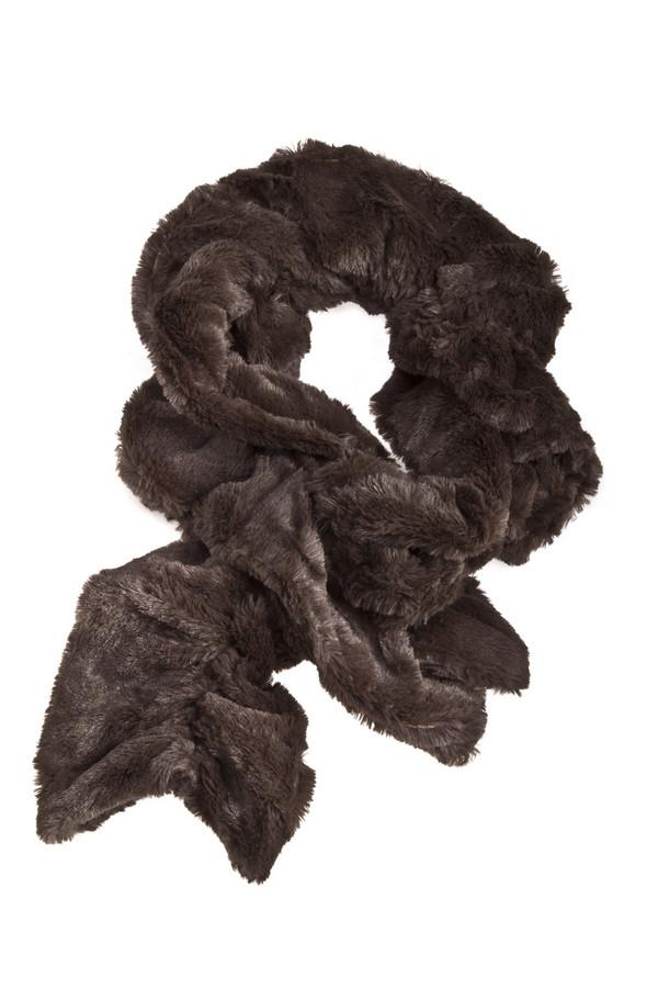 Шарф PassigattiШарфы<br>Экстравагантный шарф Passigatti темно-коричневого цвета выполнен из искусственного меха.<br><br>Размер RU: один размер<br>Пол: Женский<br>Возраст: Взрослый<br>Материал: полиэстер 100%<br>Цвет: Коричневый