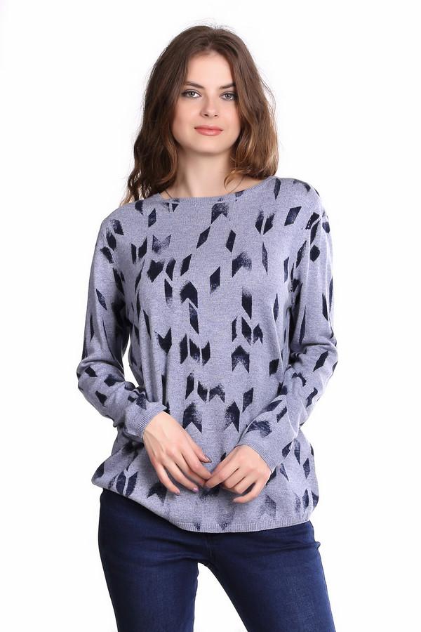Пуловер Gerry WeberПуловеры<br>Пуловер голубого цвета фирмы Gerry Weber. Ткань состоит из 45% вискозы, 27% хлопка, 25% полиамида и 3% кашемира. Модель выполнена прямым покроем. Пуловер дополнен овальным воротом, приспущенным, длинным рукавом. На изделие расположен принт. Гармонировать может с облегающими брюками.