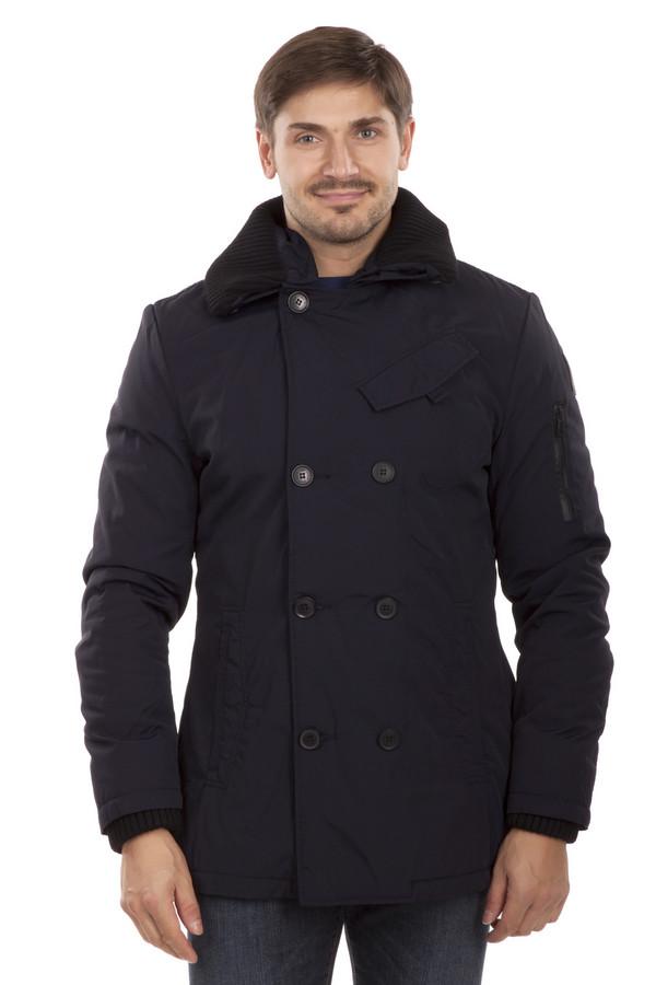 Куртка QSКуртки<br>Двубортная мужская куртка QS темно-синего цвета. Изделие приталенного кроя с отложным воротником и тремя внешними карманами на застежках-кнопках. Центральная часть изделия застегивается на пуговицы. Манжеты и отстегивающийся воротник оформлены трикотажной резинкой крупной вязки черного цвета. На левом рукаве расположен карман на молнии. Внутри модели ярко-оранжевая стеганая подкладка и внутренний карман для документов на застежке-кнопке.   Подкладка 100% полиамид.   Утеплитель 100% полиэстер.<br><br>Размер RU: 48-50<br>Пол: Мужской<br>Возраст: Взрослый<br>Материал: хлопок 30%, полиамид 70%<br>Цвет: Разноцветный