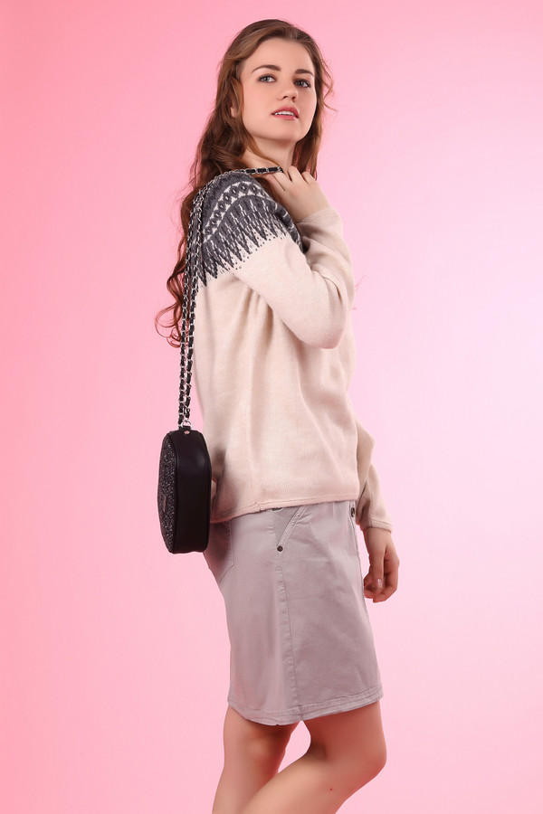 Пуловер MonariПуловеры<br><br><br>Размер RU: 42<br>Пол: Женский<br>Возраст: Взрослый<br>Материал: полиамид 18%, вискоза 14%, шерсть 16%, полиакрил 51%, альпака 1%<br>Цвет: Серый