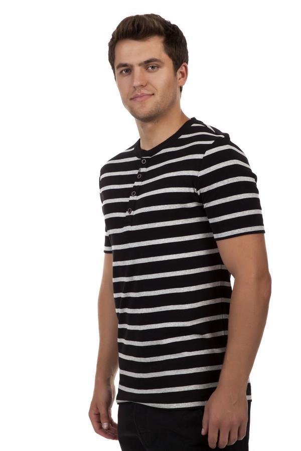 Футболкa Just ValeriФутболки<br>Полосатая черная футболка Just Valeri прямого кроя. Изделие дополнено: круглым вырезом с планкой на пуговицах и короткими рукавами. Футболка выполнена из натурального хлопкового материала высокого качества.<br><br>Размер RU: 48<br>Пол: Мужской<br>Возраст: Взрослый<br>Материал: хлопок 100%<br>Цвет: Разноцветный