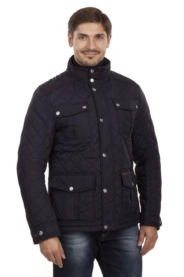 Куртка Tom TailorКуртки<br>Стеганая темно-синяя куртка Tom Tailor прямого кроя. Центральная часть изделия застегивается на молнию и ветрозащитный клапан на кнопках. Модель дополнена воротником-стойкой и пятью карманами. Один внутренний карман на липучке и четыре накладных кармана застежка-кнопка. Внизу рукава с обеих сторон расположены застежки-кнопки позволяющие менять размер манжет. Изделие выполнено из высококачественного материала. Прекрасно будет смотреться как с  брюками , так и с  джинсами .  Подкладка и утеплитель 100% полиэстер<br><br>Размер RU: 44-46<br>Пол: Мужской<br>Возраст: Взрослый<br>Материал: полиамид 100%<br>Цвет: Синий